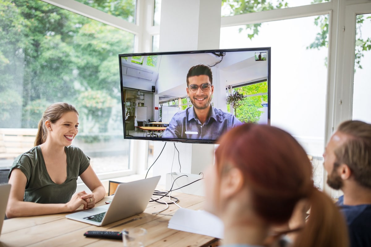 Checklist : Equiper une salle de visioconférence